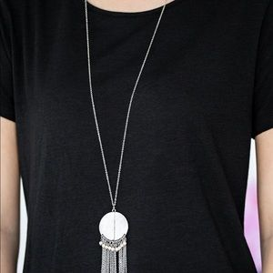 Great A ROAM! white necklace